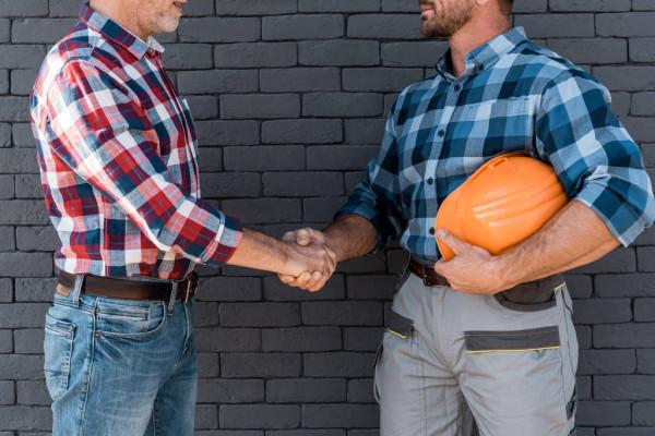Оборудование строительное, взять в аренду или купить? Преимущества и недостатки