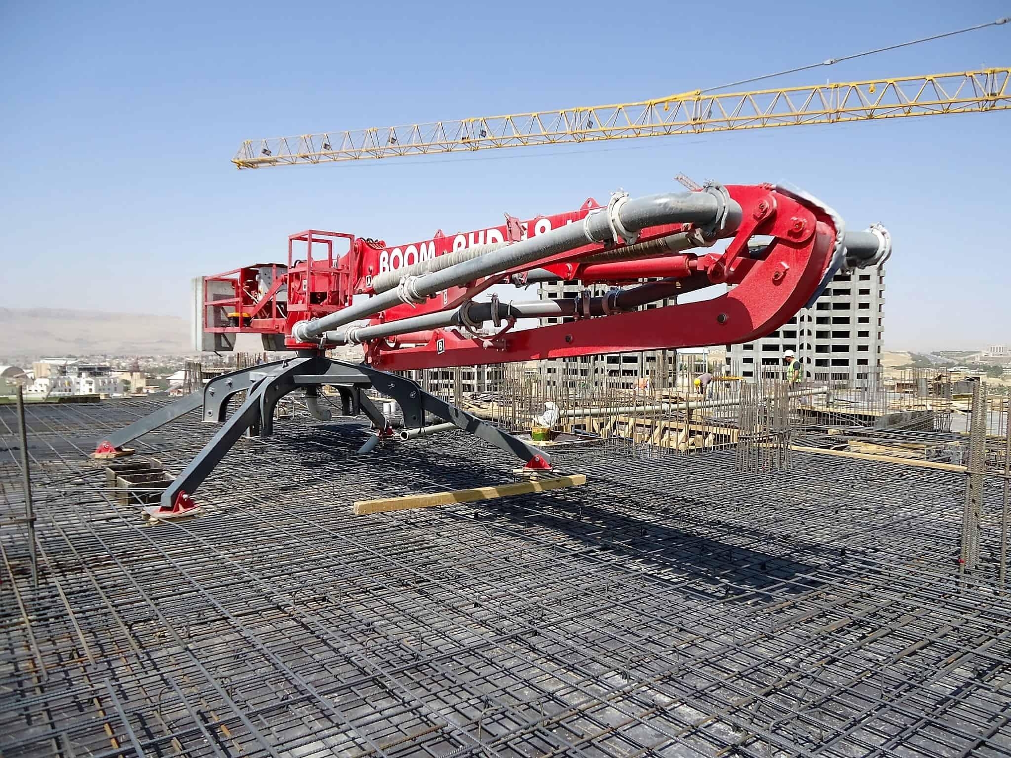 Современные методы подачи и распределения бетонной смеси в строительстве